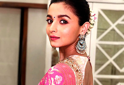 Current Bollywood News & Movies - Indian Movie Reviews, Hindi Music & Gossip - What stops Alia from being BAD!