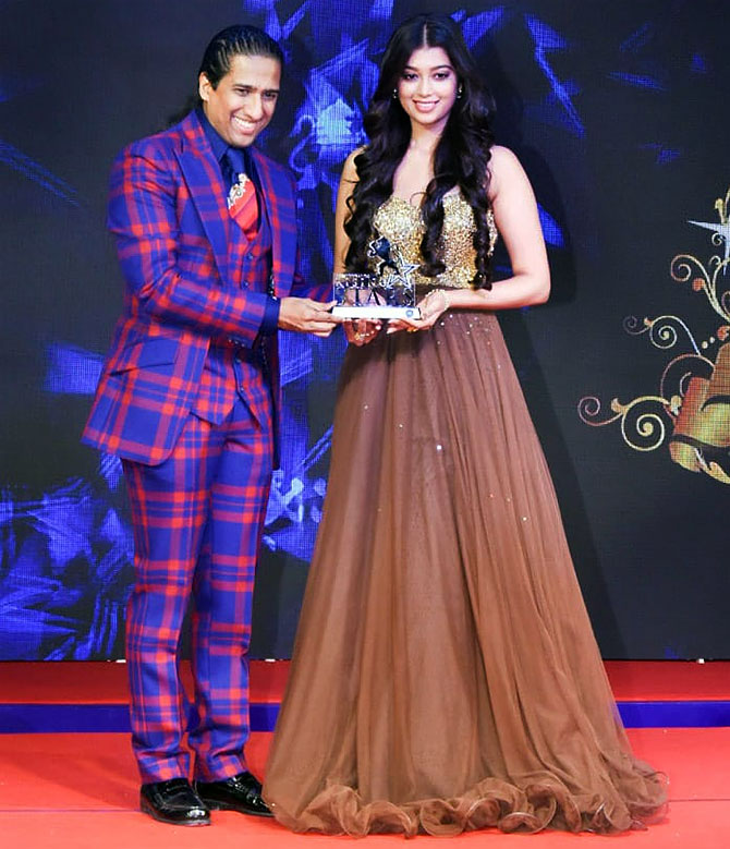 17 Best Images About Fashion Monitor Journalism Awards: PIX: What Were Malaika, Nushrat Up To?