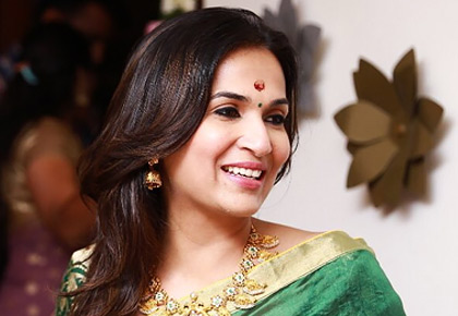 Current Bollywood News & Movies - Indian Movie Reviews, Hindi Music & Gossip - And Soundarya goes on her honeymoon...