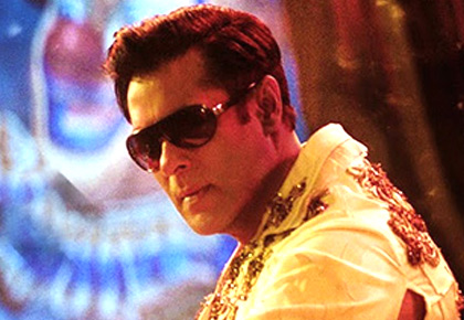 Current Bollywood News & Movies - Indian Movie Reviews, Hindi Music & Gossip - Salman removes Pakistani singers from Bharat