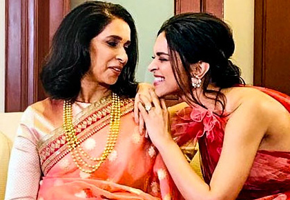 Current Bollywood News & Movies - Indian Movie Reviews, Hindi Music & Gossip - CAPTION THIS: What's Deepika's mom telling her?