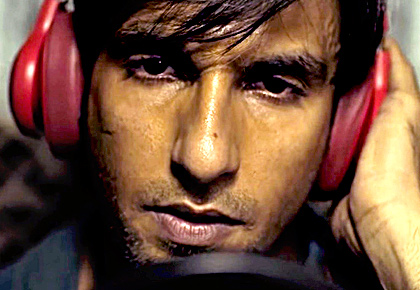 Current Bollywood News & Movies - Indian Movie Reviews, Hindi Music & Gossip - Gully Boy: Ranveer Singh's show all the way!