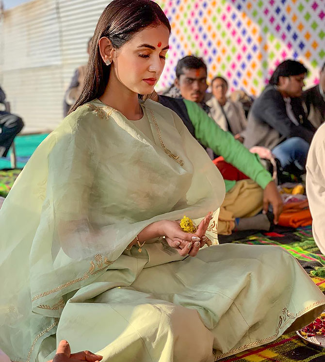 Current Bollywood News & Movies - Indian Movie Reviews, Hindi Music & Gossip - PIX: Sonal Chauhan visits Kumbh Mela
