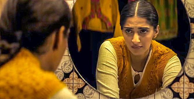 Sonam Kapoor in Ek Ladki Ko Dekha Toh Aisa Laga
