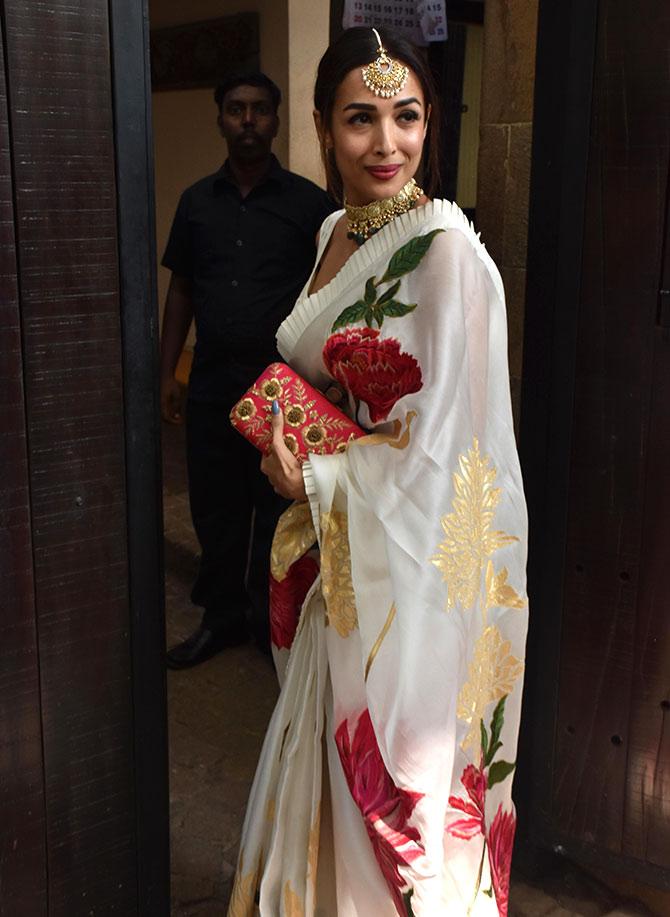 Malaika vs Deepika: Who wore the sari best?