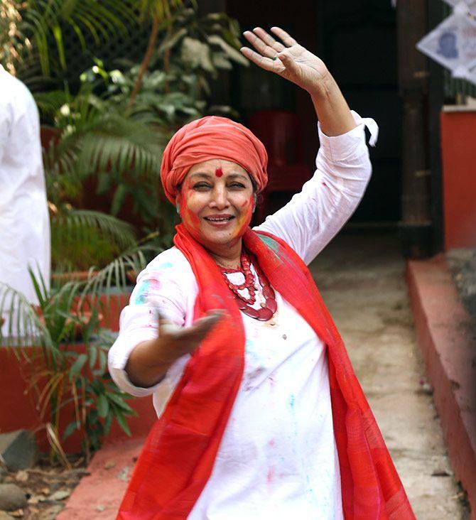 Shabana Azmi celebrates Holi, March 2019. Photograph: Pradeep Bandekar