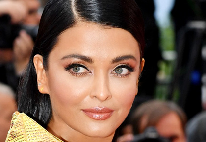 Cannes 2019: Aishwarya slays it in gold