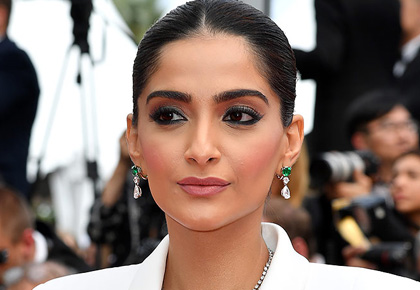 Cannes 2019: Sonam charms the red carpet!