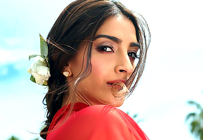 Which Sonam do you like? Vote!
