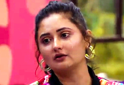 Bigg Boss Day 15: Rashami breaks down
