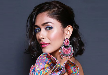 Oh so sexy! Mrunal Thakur glams up the ramp