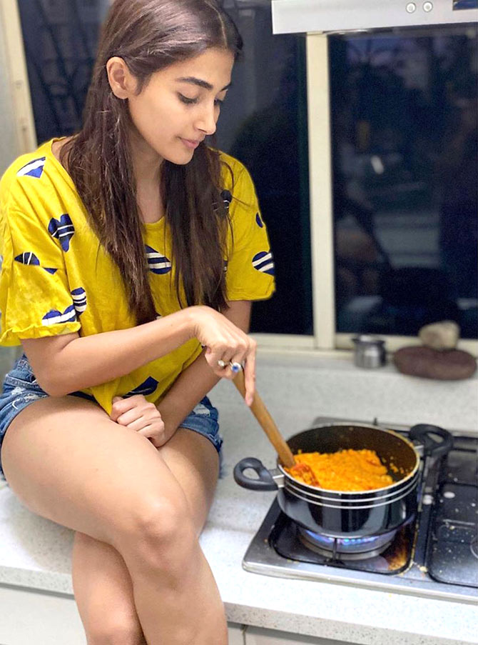 Which Bollywood celebrity's cooking impressed you?