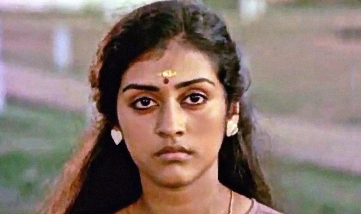 Must Watch Movie: Thoovanathumbikal - Rediff.com movies