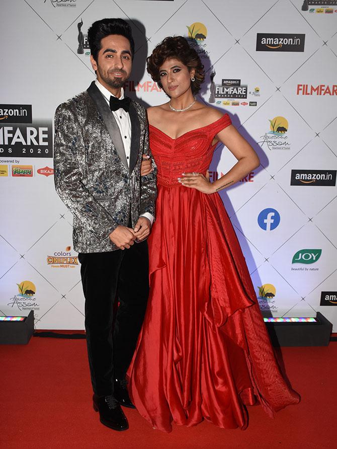 PIX: Ananya wins Best Debutant at Filmfare awards - Rediff