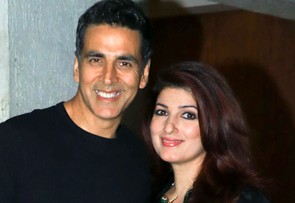 Video: Watch Akshay-Twinkle party with Sonali Bendre
