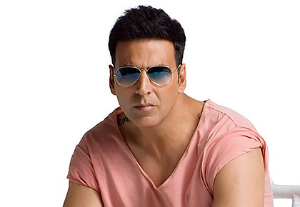 Akshay is first star to start shooting again