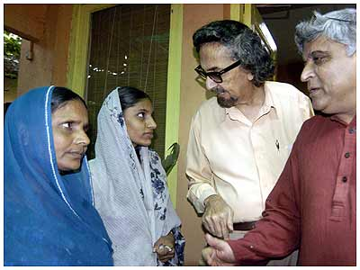 Alyque Padamsee with Javed Akhtar and Zaheera Sheikh, second from left, a victim of the 2002 Gujarat riots. Photograph: Deepak Salvi