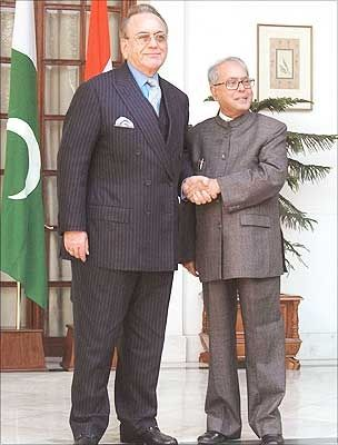 Then foreign minister Pranab Mukherjee with his Pakistani counterpart Khurshid Mahmud Kasuri ahead of their meeting in New Delhi,  February 21, 2007. Photograph: Saab Pictures