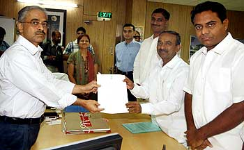 TRS legislators submit a memorandum to Anti-corruption Bureau Chief Arvind Rao, seeking the arrest of Irrigation Minister Punna lakshmaih for the recent man-made flood situation in Telangana