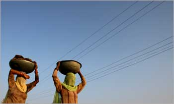 Women brave heat in Haryana.