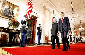 Obama and Dr Singh at the White House