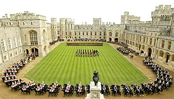 Queen Elizabeth and President Patil attend a welcoming ceremony at Windsor Castle