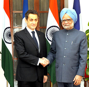 French President Nicolas Sarkozy with Prime Minister Dr Manmohan Singh before their meeting in New Delhi