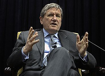 Former US special AfPak envoy Richard Holbrooke speaks with journalists at Kabul
