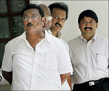 M K Azhagiri (front) with brother MK Stalin and Dayanidhi Maran