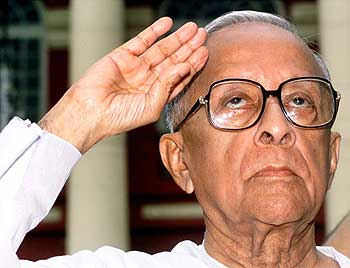 Basu salutes on India's independence day in this August 15, 2000
