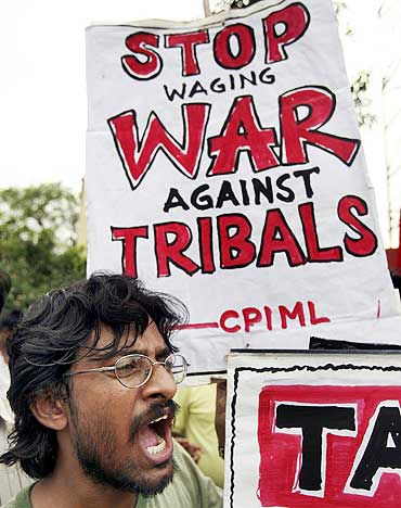 An activist of the CPI-Marxist-Leninist shouts anti-government slogans