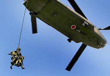 Japan's Ground Self-Defense Force 1st Airborne Brigade duringt an annual new year military exercise