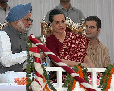 Rahul attends a meeting with Prime Minister Manmohan Singh and Congress President Sonia Gandhi