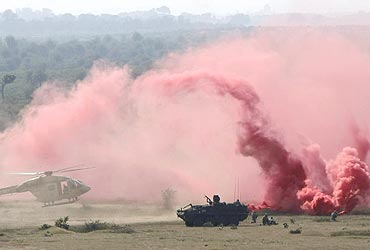 Indian and US soldiers during a military exercise in Babina, UP