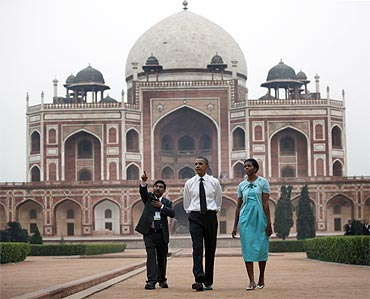 Barack and Michelle Obama tour Humayun's Tomb with K K Mohammad