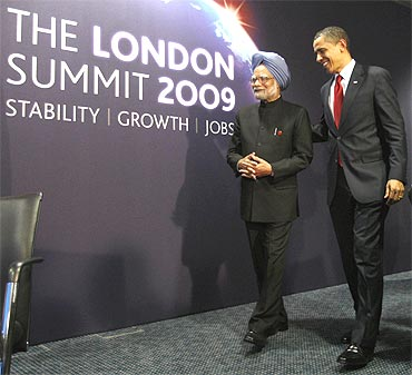 President Obama meets with PM Dr Singh during their bilateral meeting at the G20 Summit in London