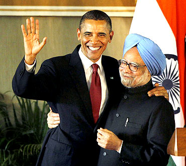 President Obama and Prime Minister Singh at their news conference in New Delhi