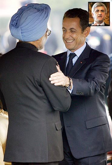 French President Nicolas Sarkozy with Dr Manmohan Singh at a Republic Day reception in New Delhi. Inset: French Defence Minister Herve Morin