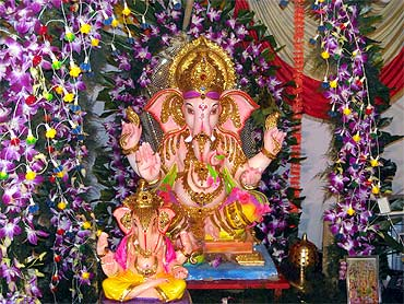 Readers' Ganpati pics: From Chile to Vashi