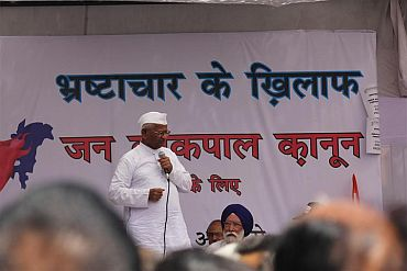 What Hazare's draft of the Lok Pal Bill demands