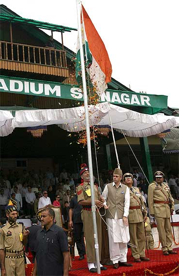 Jammu and Kashmir Chief Minister Omar Abdullah unfurls the tricolour in Srinagar