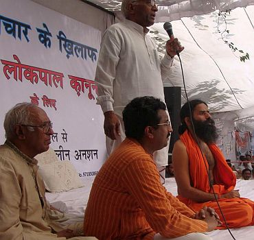 Ram Madhav (middle) with Baba Ramdev at an anti-corruption rally