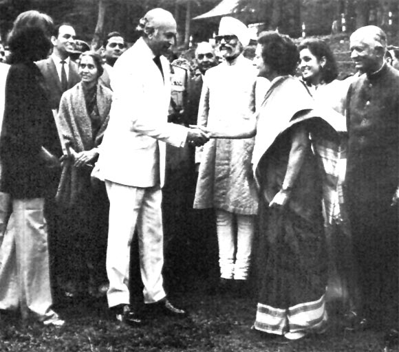 Then prime minister Indira Gandhi greets Zulfiqar Ali Bhutto, then prime minister of Pakistan, in Simla, June 1972