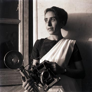 Homai Vyarawalla with her Speed Graphic camera