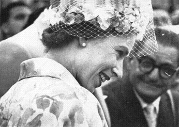 Queen Elizabeth II at the Delhi racecourse