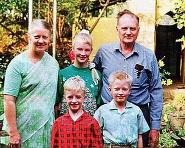 Missionary Graham Staines with his family