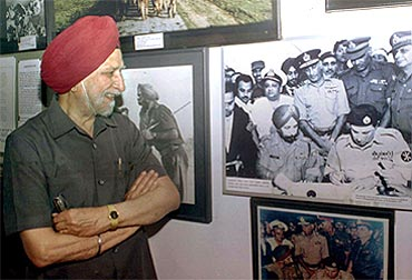 Lieutenant General Jagjit Singh Aurora (retd) at Dhaka's Independence War Museum