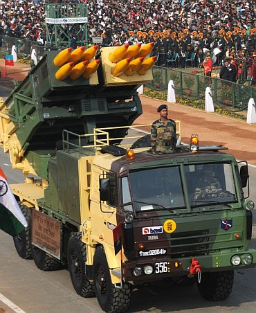 Parrikar adds muscle to armed forces with projects worth Rs 11,000 crore
