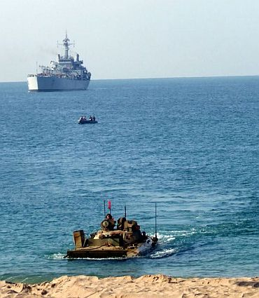 An Indian Army AAD arrives ashore