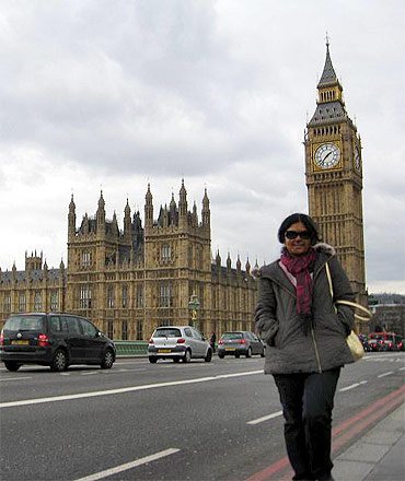 Shirin, after the surgeries, at the Big Ben in London